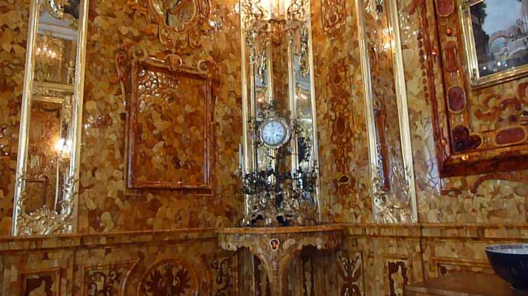 The 'Amber' room. Note the Prussian coat of arms near the bottom.