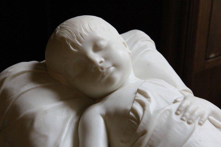 Child's grave statue, Schlosskapelle, Schloss Charlottenburg