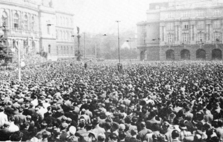 Czechs protest against the NSDAP, Prague, 22 September 1938. NONE were shot or injured by Sudeten Germans.