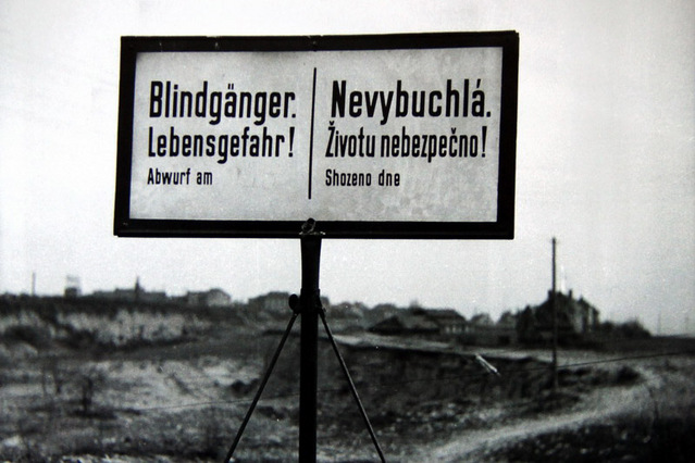 Warning sign on the border of Libně a Vysočan