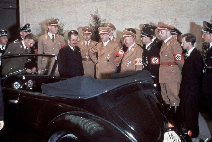 Hitlers_birthday_02